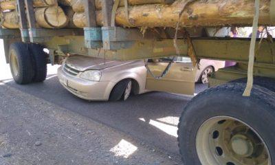 Incrustado contra la madera: así fue un accidente de tránsito en Ruta 5 de Osorno
